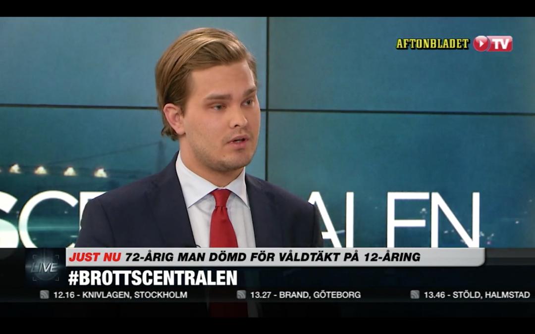 Som målsägandebiträde kommenterar jag domen mot den 72-åriga svenska mannen som dömts för våldtäkt på en 12-årig flicka i Thailand – från i Brottscentralen på Aftonbladet TV